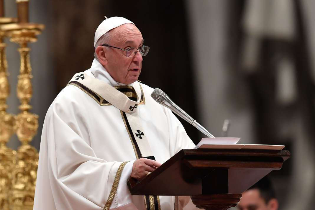 Le pape a appelé, dimanche 24 décembre, à faire en sorte que « personnes ne [sente] qu'il n'a pas de place sur cette terre » et à transformer « la force de la peur en force de la charité ».