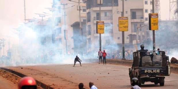 Affrontement entre policiers et manifestants à Conakry, le 6février 2018.