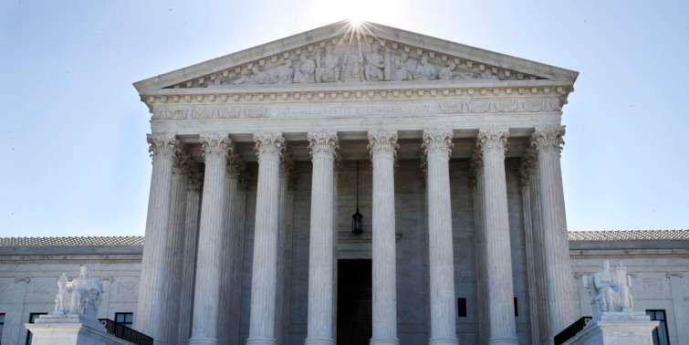 Quel est le rôle de la Cour suprême des Etats-Unis ?