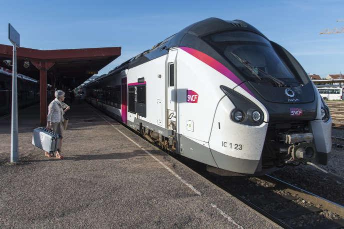 Line Intercités Lyon-Nantes, Roanne (Loire, June 22, 2018.