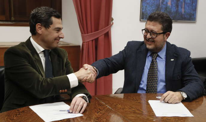 Juanma Moreno (People's Party, on the left) and Francisco Serrano (Vox), in Seville, on January 2nd.