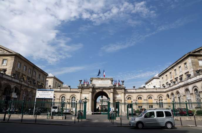 Almost a month after the death of a patient on December 17 at the Lariboisière hospital emergency room in Paris, the deceased's family is about to lodge a complaint on Monday, January 14, for