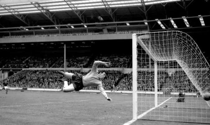 Gordon Banks, in 1965.