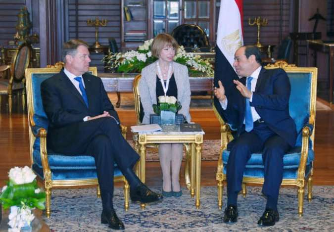 Egyptian President Abdel Fattah al-Sisi (R) meets with Romania's President Klaus Iohannis (L) before the first European Union and Arab League Summit in the Red Sea resort of Sharm el-Sheikh, Egypt, February 23, 2019 in this handout picture courtesy of the Egyptian Presidency. The Egyptian Presidency/Handout via REUTERS ATTENTION EDITORS - THIS IMAGE WAS PROVIDED BY A THIRD PARTY