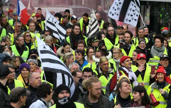 Environ 800 personnes ont participé à Quimper à l'acte XVII des« gilets jaunes» le samedi 9 mars.