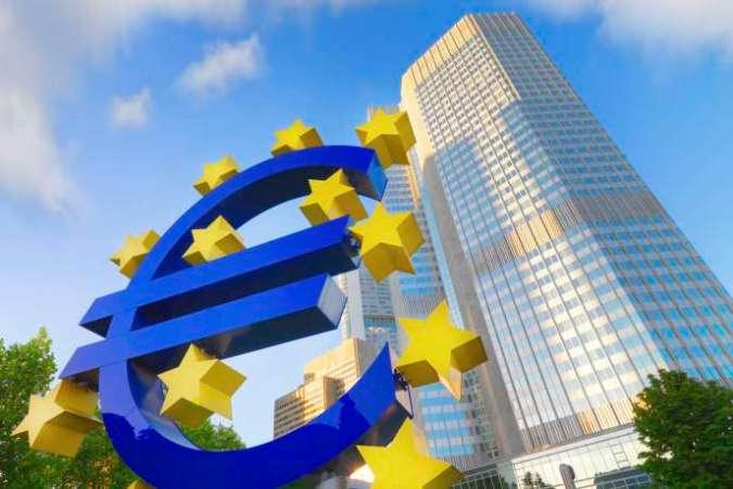 « Les eurosceptiques reprochent à l'Union la disparition d'un monde de médiocrité où, grâce aux barrières douanières et aux dévaluations à répétition, les entreprises évitaient les remises en question et échappaient à la nécessité de faire sans cesse des gains de productivité » (Photo: Francfort).