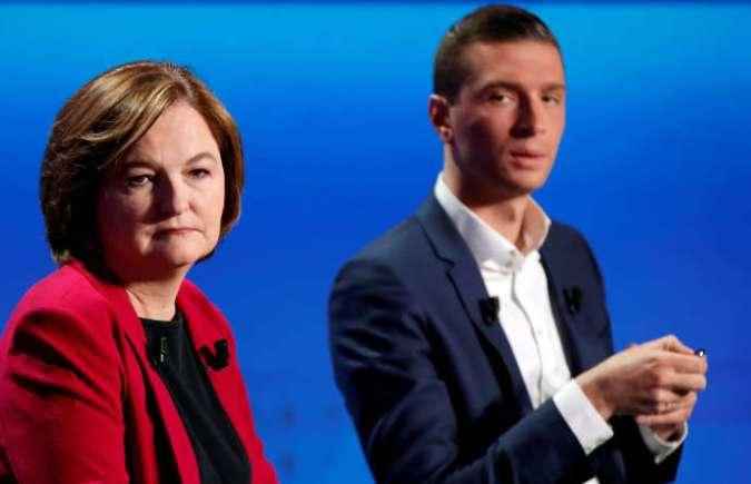 Nathalie Loiseau, tête de liste de la majorité, et Jordan Bardella, son rival du Rassemblement national, lors de leur débat télévisé, à Paris, le 4 avril.