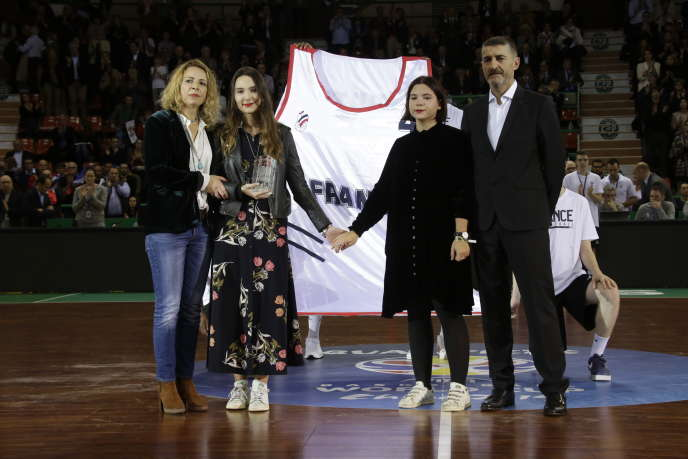 Celine Forte and her daughters, December 3, 2018, during a tribute to Frédéric Forte.