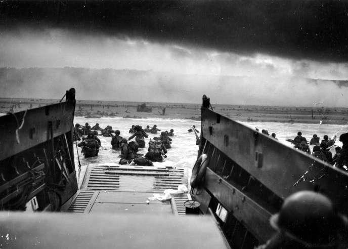 Photo prise par Robert F. Sargent, US Coast Guards (USCG) du fond du LCVP à Omaha.