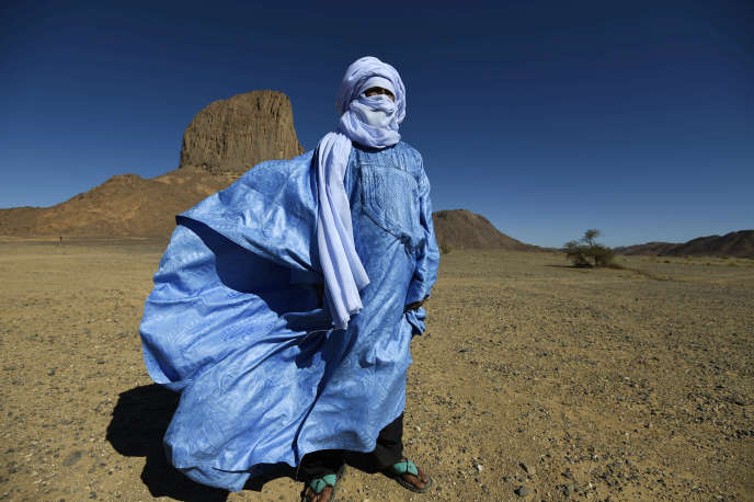A Touareg on the Tagmart plateau, in southern Algeria, in January 2016. Wearing loose clothing helps fight against heat.