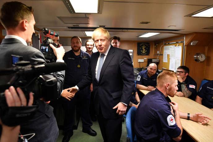 Le premier ministre britannique Boris Johnson le 29 juillet sur la base navale de Clyde, à Faslane, Ecosse.
