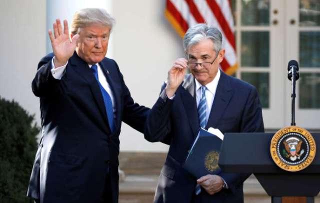 Le président Donald Trump reçoit Jerome Powell à la Maison Blanche lorsque ce dernier est nommé président de la Réserve fédérale américaine, le 2 novembre 2017.