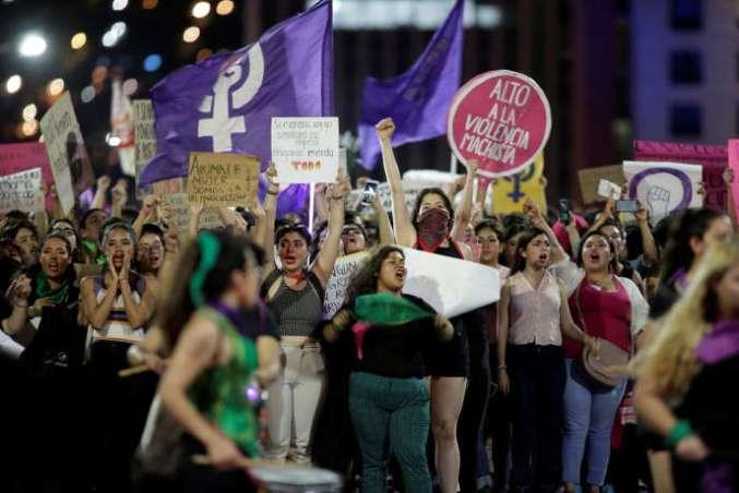 « La police ne me protège pas, elle me viole!» : manifestations à Mexico, le 16 août.