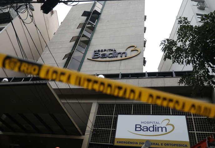 La façade de l'hôpital Badim après l'incendie, à Rio de Janeiro, Brésil, le 13 septembre 2019.