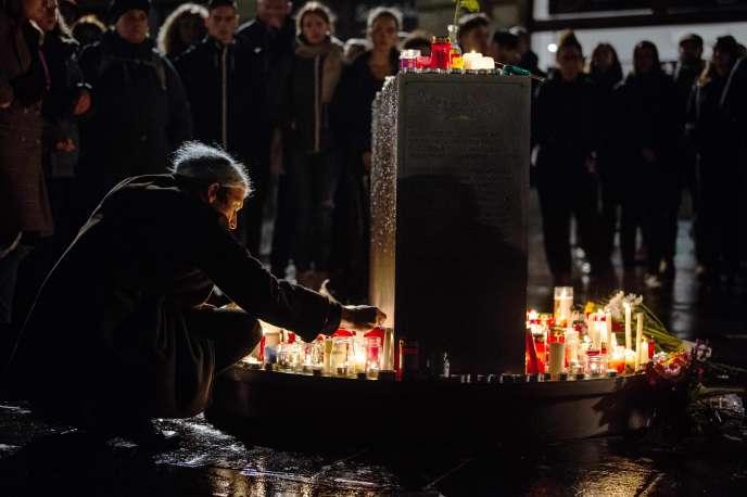 Hommage aux victimes de la fusillade, à Halle (Allemagne), le 9 octobre.