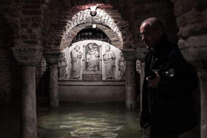 La cripta della basilica di San Marco a Venezia, in Italia, il 13 novembre.