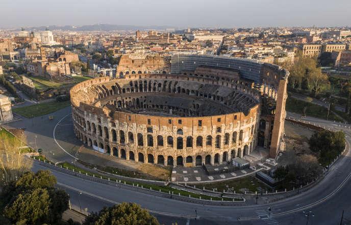 Veduta aerea di Roma deserta, il 30 marzo.