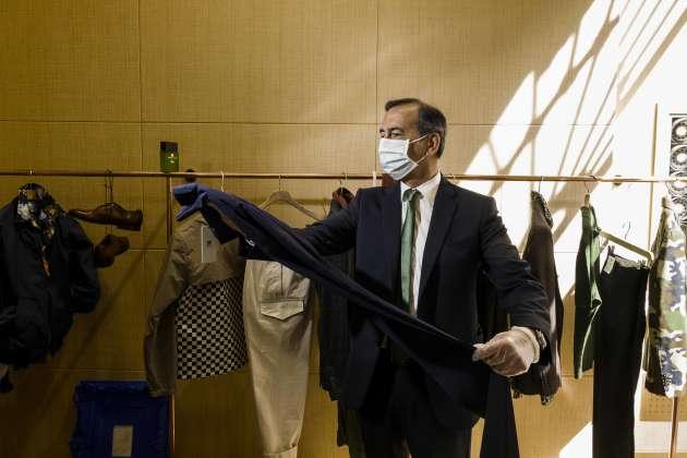 Il sindaco di Milano, Beppe Sala, ha approfittato della riapertura dei negozi.