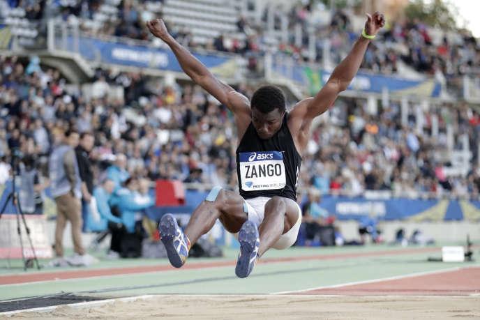 Le Burkinabé Hugues-Fabrice Zango lors du meeting d'athlétisme de la Diamond League de Paris, le 1er juillet 2017.