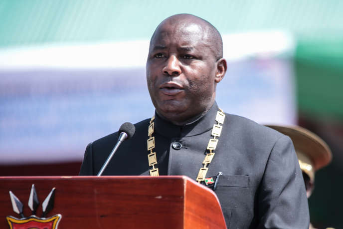 Le président burundais, Evariste Ndayishimiye, lors de son investiture à Gitega, le 18juin 2020.