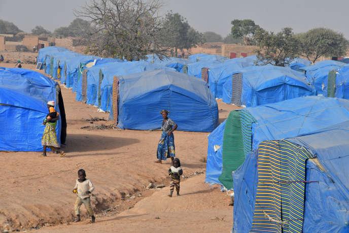 Un camp de personnes déplacées construit par l'ONG allemande Help à Pissila, au Burkina Faso, le 24 janvier 2020.