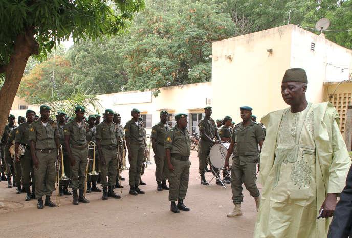 Ba N'Daw après sa nomination comme ministre de la défense, le 28 mai 2014 à Bamako.