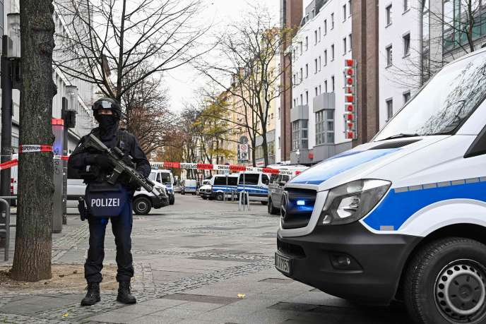German police officers secure a street in Berlin during a major police operation a year after the burglary of the Dresden museum on November 17, 2020.