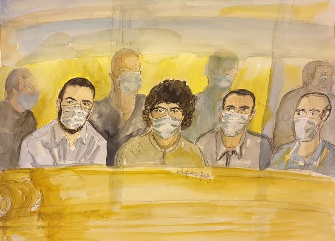 A gauche, Ayoub El-Khazzani, à côté de ses trois co-accusés : Bilal Chatra, Redouane El Amrani Ezzerrifi et Mohamed Bakkali.
