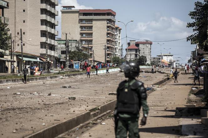 Manifestation après la publication des premiers résultats de l'élection présidentielle à Conakry, le 23 octobre 2020.
