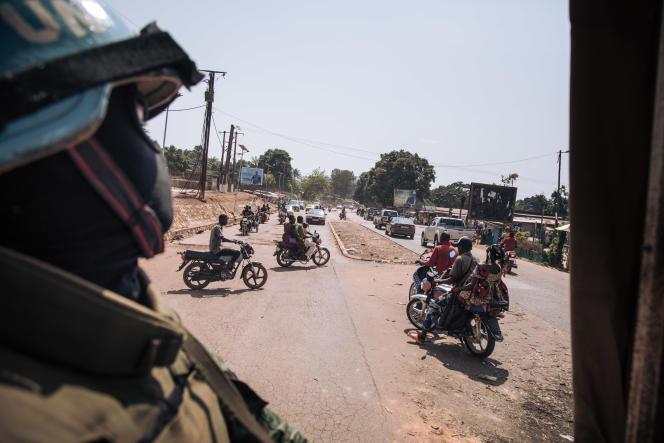 Une patrouille de casques bleus dans les rues de Bangui, le 25décembre2020.
