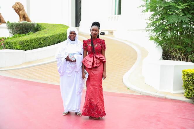 Diary Sow et sa mère au palais présidentiel de Dakar, le 7août 2020.