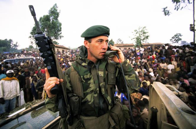 Le 1er juillet 1994, les commandos de marine interviennent sur Butare, au Rwanda.