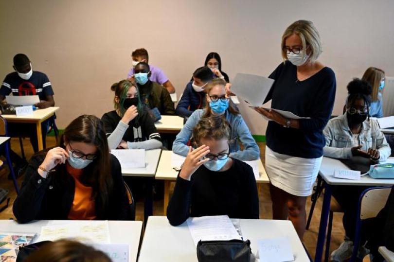 Des élèves dans une école de Rennes, le 1er septembre 2020.