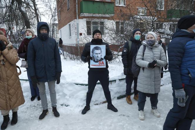Les partisans de l'opposant Alexeï Navalny, à Khimki, à l'extérieur de Moscou, en Russie, le 18janvier2021.