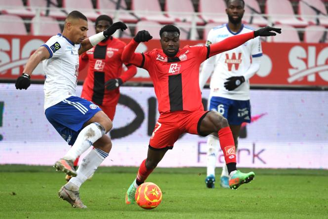 Strasbourg's Alexander Djiku and Dijonnais Mama Samba Balde failed to decide on Sunday 24 January.