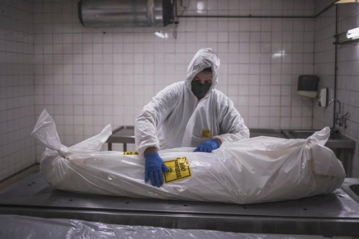 A la morgue de l'agence de Pretoria de la société sud-africaine Avbob, spécialisée dans les services funéraires, le 22 janvier 2021.