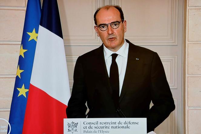 « La question d'un confinement se pose légitimement compte tenu de ces données », en raison d'un « fort risque d'accélération » de l'épidémie, a reconnu Jean Castex.