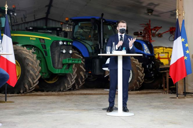 President Emmanuel Macron (center) visiting a farm in Etaules (Côte-d'Or), February 23, 2021.