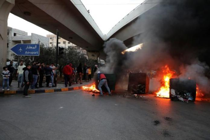 Des manifestants à Beyrouth.