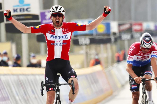 Cyclisme : Kasper Asgreen surprend Mathieu van der Poel et remporte le Tour  des Flandres