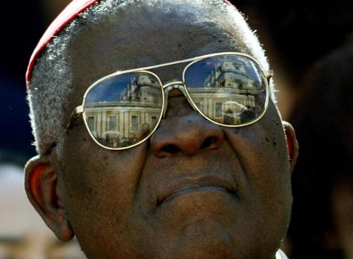 Le cardinal camerounais Christian Wiyghan Tumi au Vatican, en octobre 2003.