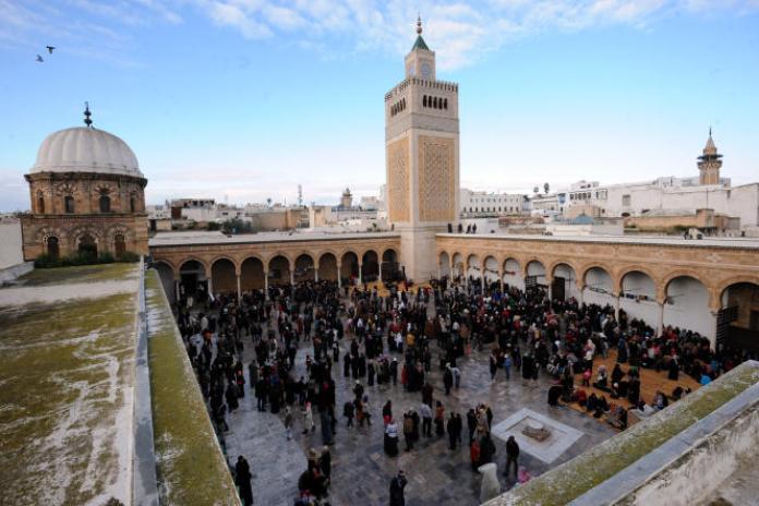 La mosquée Zitouna à Tunis, foyer d'enseignement islamique, est l'objet depuis 2011 d'âpres luttes d'influence entre partisans d'un islam éclairé et tenants d'un islam plus doctrinaire. Ici, en janvier 2014.