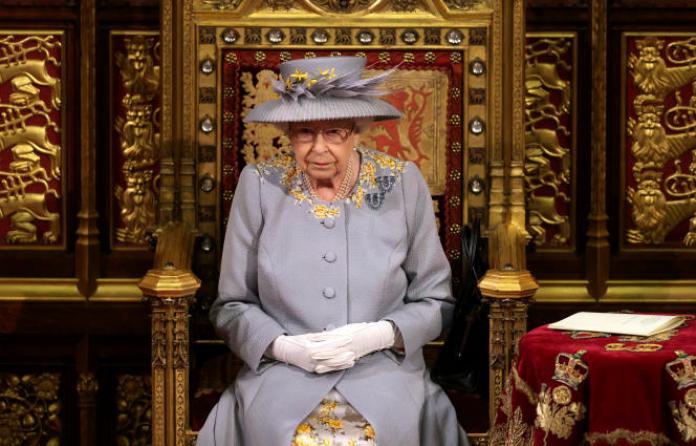 La reine ElizabethII au Palais de Westminster, à Londres, le 11mai.
