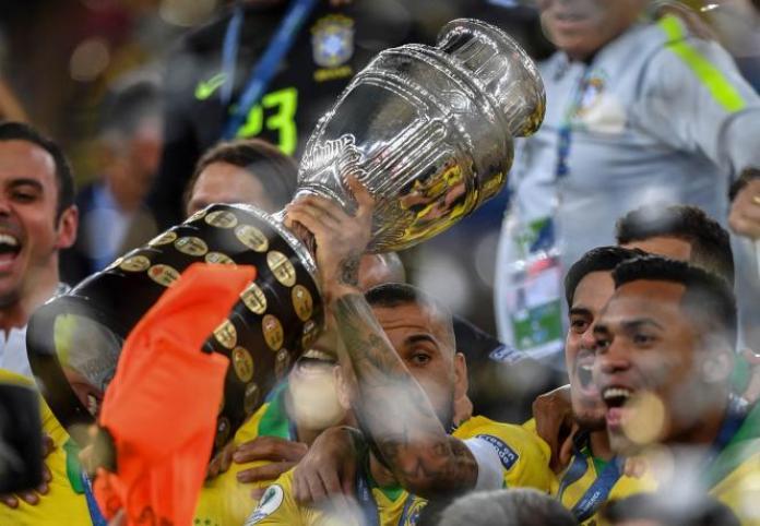 Le Brésil, vainqueur de la Copa America le 7 juillet 2019 à Rio de Janeiro, organisera de nouveau l'édition 2021, après le retrait de la Colombie et de l'Argentine.