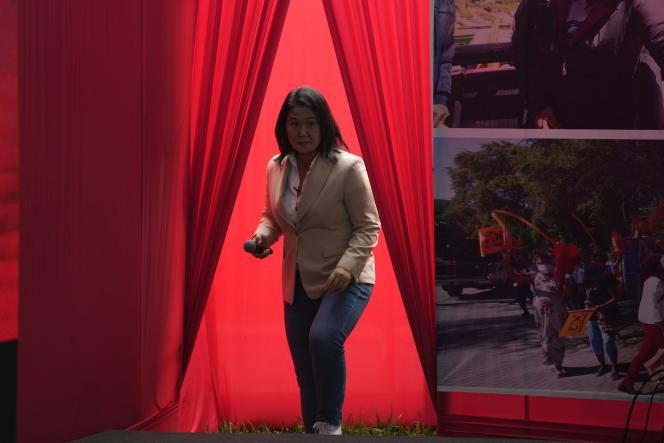 La candidate de droite Keiko Fujimori se présente à une conférence de presse, à Liman le 10 juin 2021.