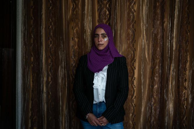 La militante palestinienne Shatha Hammad, dans sa maison à Silwad (Palestine), le 30 juin 2021.