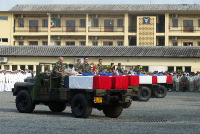Huit soldats français avaient été tués dans le crash d'un hélicoptère au Gabon, en janvier 2009.