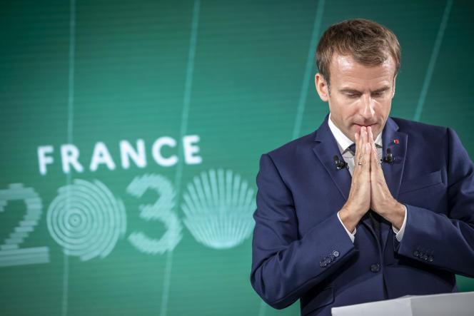 Emmanuel Macron lors de la présentation présente du Plan France 2030 au palais de l'Élysée, le 12 octobre 2021.