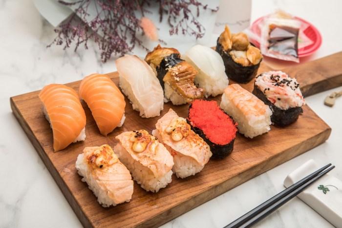 [桃園美食]黑武藏十元壽司/十元壽司界的王者!十元壽司用這種料我真的跪了,炙燒鮭魚壽司一顆只要15元!