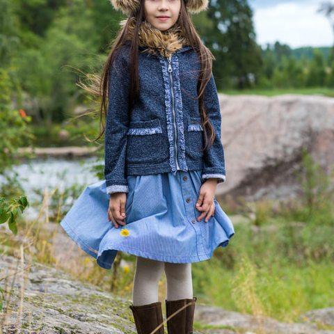 Кардиган трикотажный детский темно-синий на молнии с бахромой на девочку